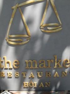 The Market Restaurant / Le restaurant du marché