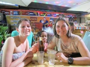 Anne-Sophie et moi à Khao San Road